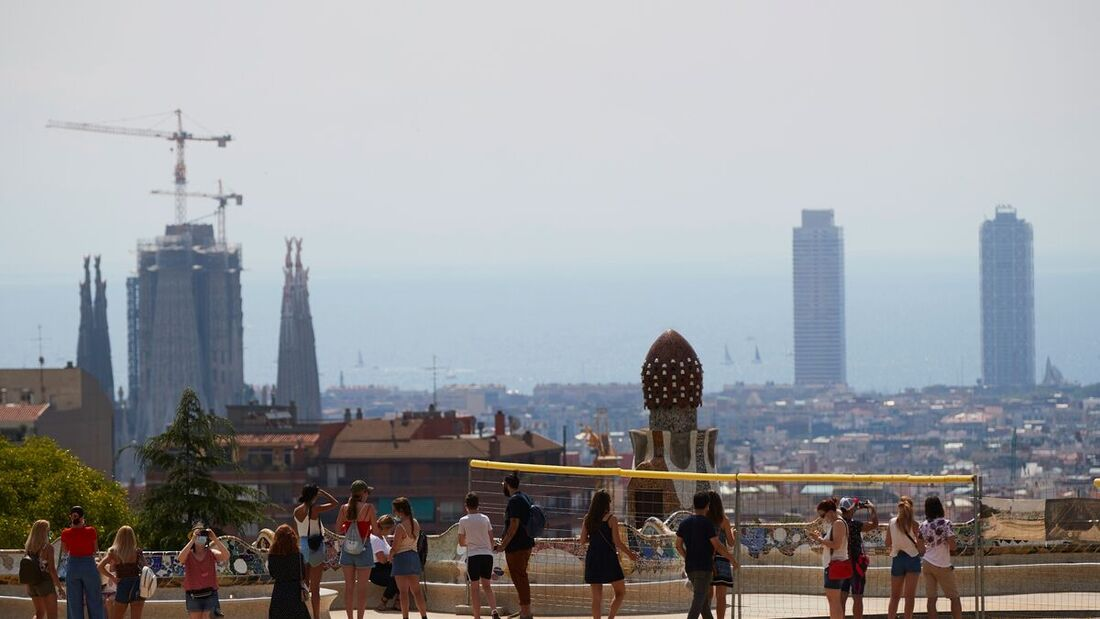 parque Guell Barcelona 1200x675 1